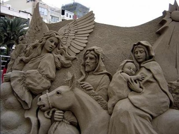 Stunning Examples of Sand Sculptures (1)