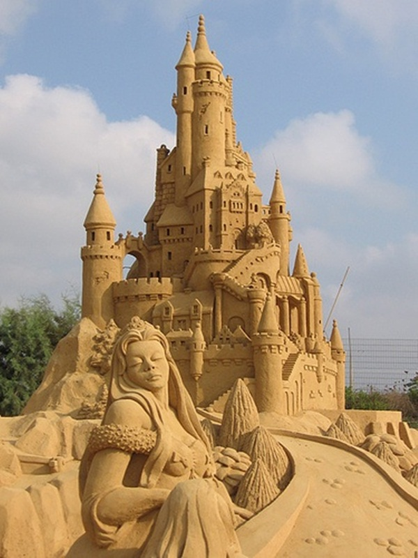 Stunning Examples of Sand Sculptures (16)