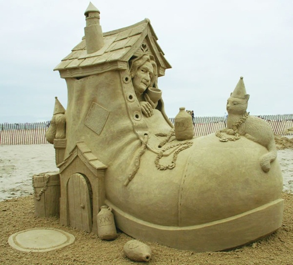 Stunning Examples of Sand Sculptures (24)