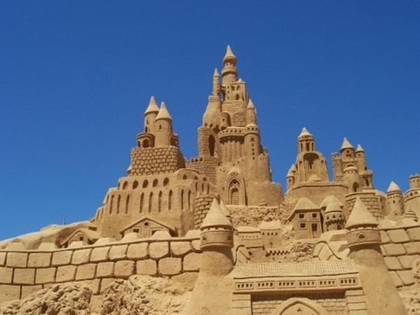 Stunning Examples of Sand Sculptures (28)