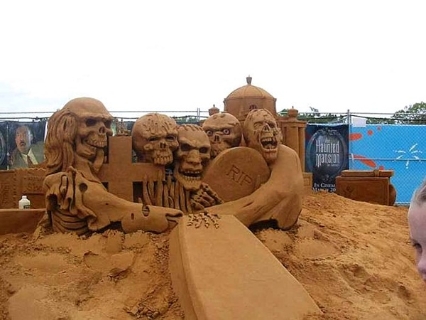 Stunning Examples of Sand Sculptures (29)