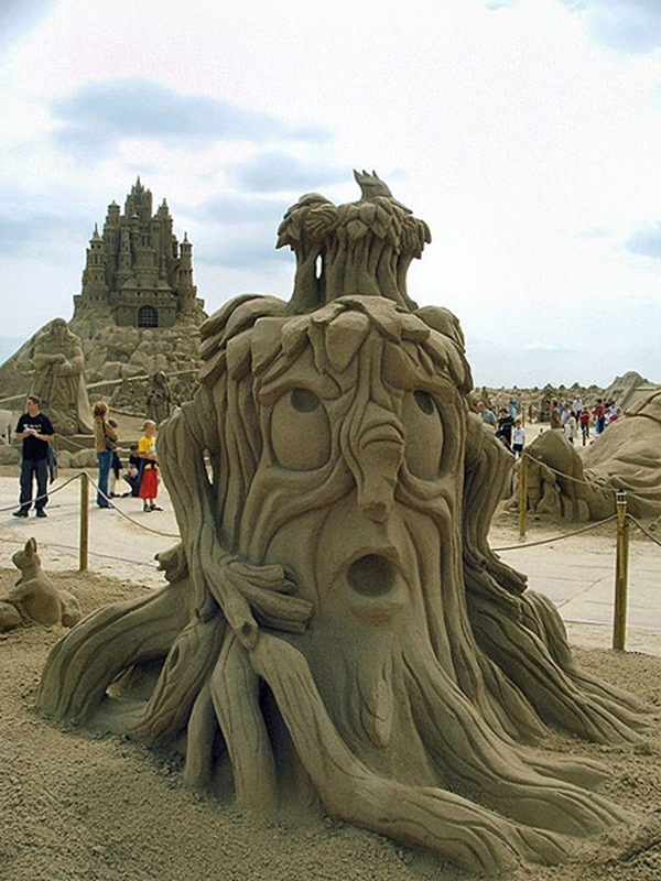 Stunning Examples of Sand Sculptures (35)