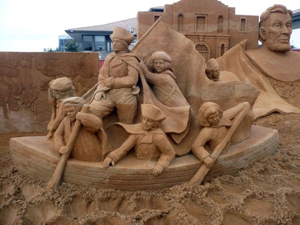Stunning Examples of Sand Sculptures (38)