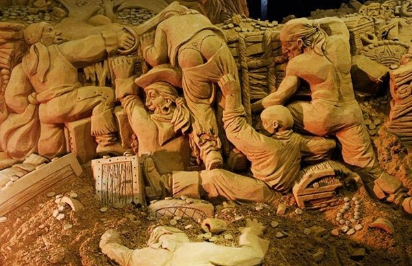 Stunning Examples of Sand Sculptures (42)