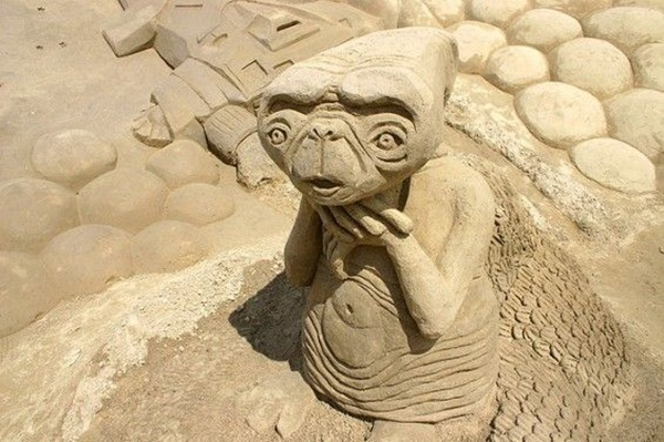 Stunning Examples of Sand Sculptures (46)