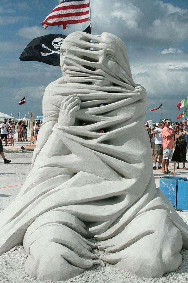 Stunning Examples of Sand Sculptures (6)