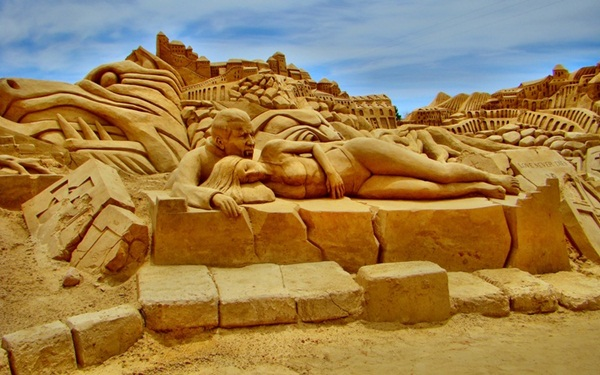 Stunning Examples of Sand Sculptures (9)