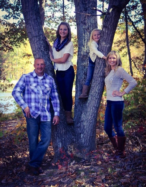Creative Way to take Family Pictures (13)