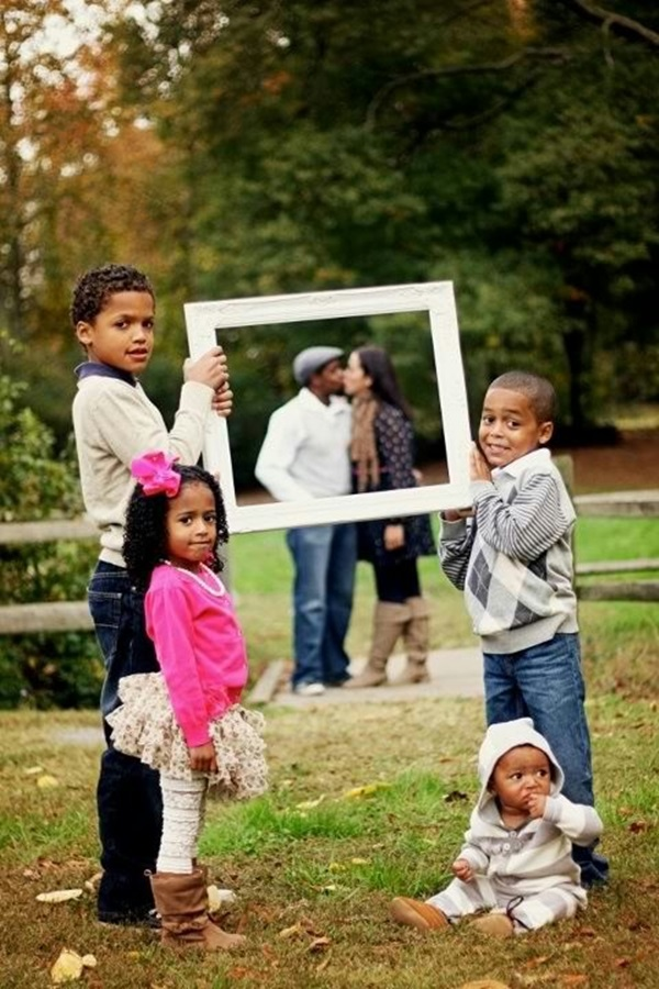 Creative Way to take Family Pictures (20)