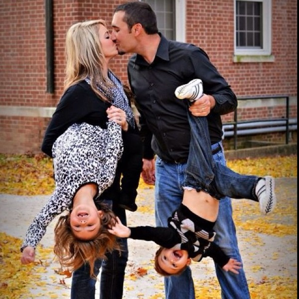 Creative Way to take Family Pictures (2)