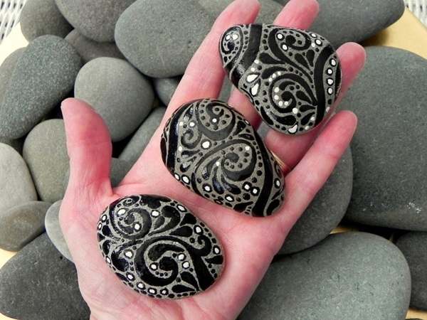Pictures of painted rocks (25)
