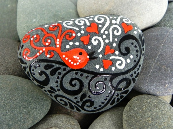 Pictures of painted rocks (3)