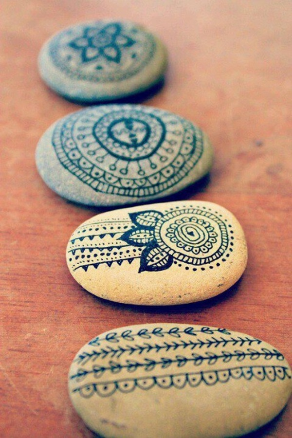 Pictures of painted rocks (7)