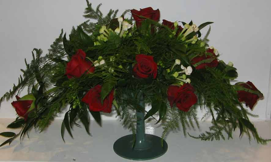 tradiotional flower arrangement 1