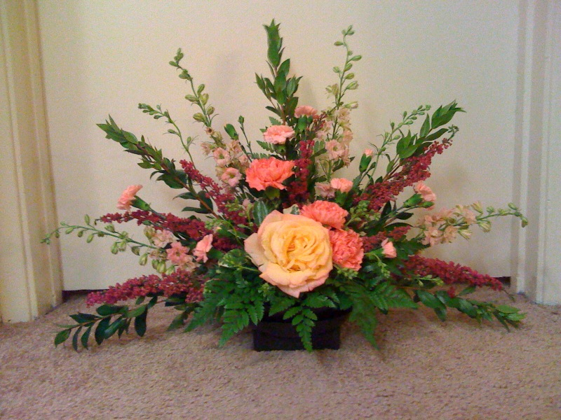 tradiotional flower arrangement 3