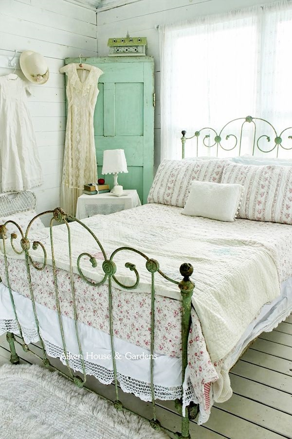 Cute Romantic Bedroom Ideas For Couples  (20)