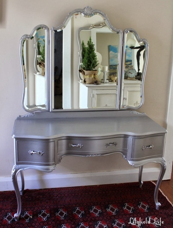 Attractive Mirrored Dressing Table Designs (32)