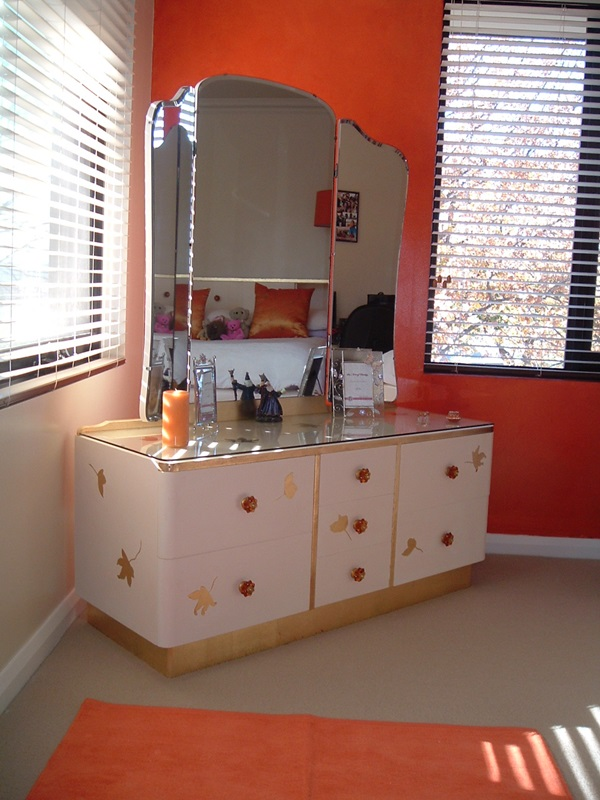 Attractive Mirrored Dressing Table Designs (33)