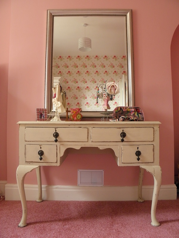 Attractive Mirrored Dressing Table Designs (34)