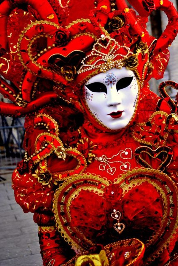 Beautiful Carnivale Masks and Meaning (12)