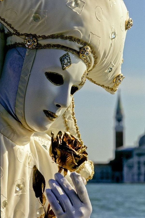 Beautiful Carnivale Masks and Meaning (17)