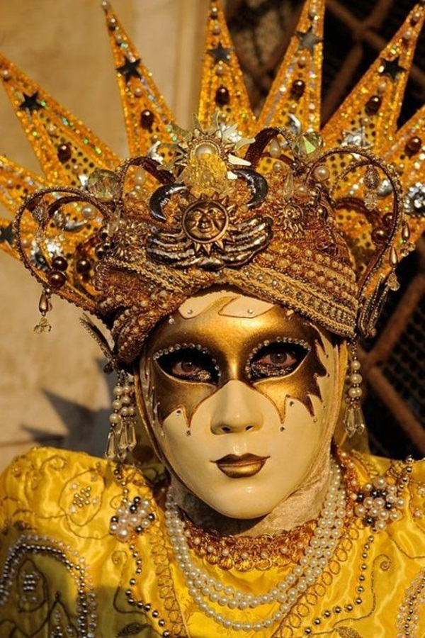 Beautiful Carnivale Masks and Meaning (25)