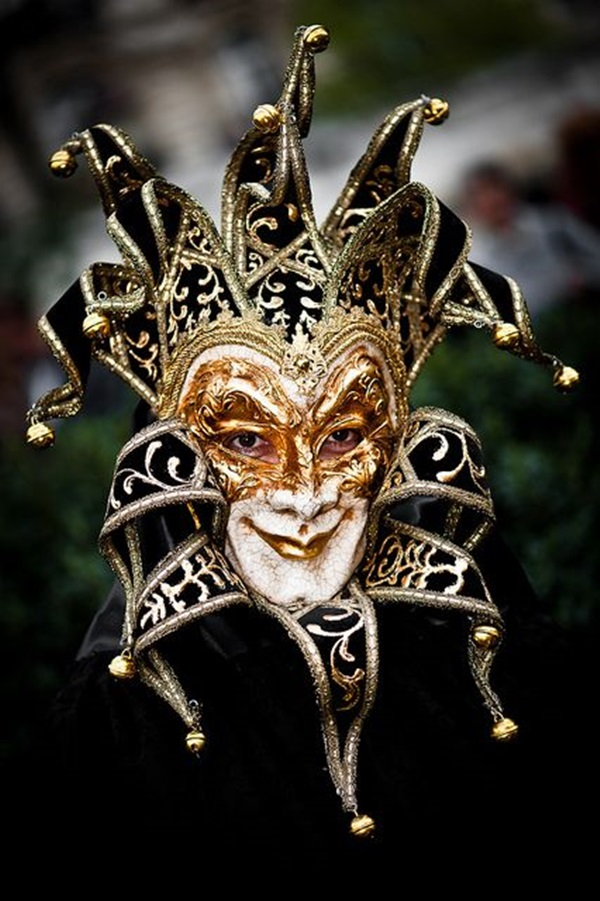 Beautiful Carnivale Masks and Meaning (29)