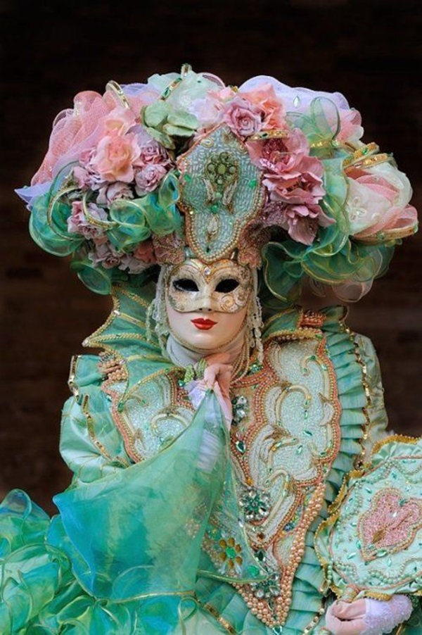 Beautiful Carnivale Masks and Meaning (39)
