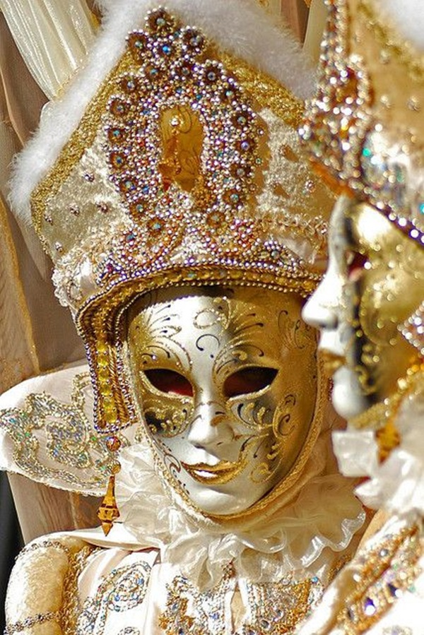 Beautiful Carnivale Masks and Meaning (44)
