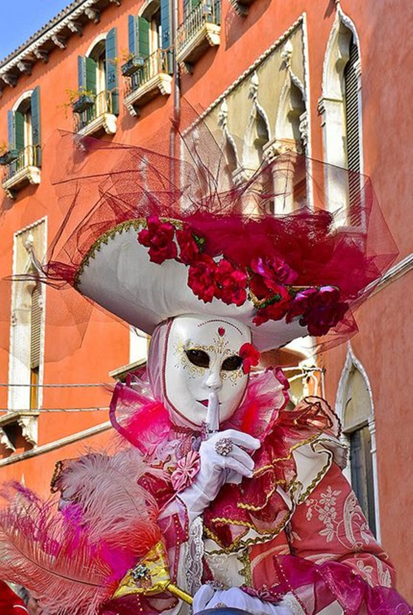 Beautiful Carnivale Masks and Meaning (46)