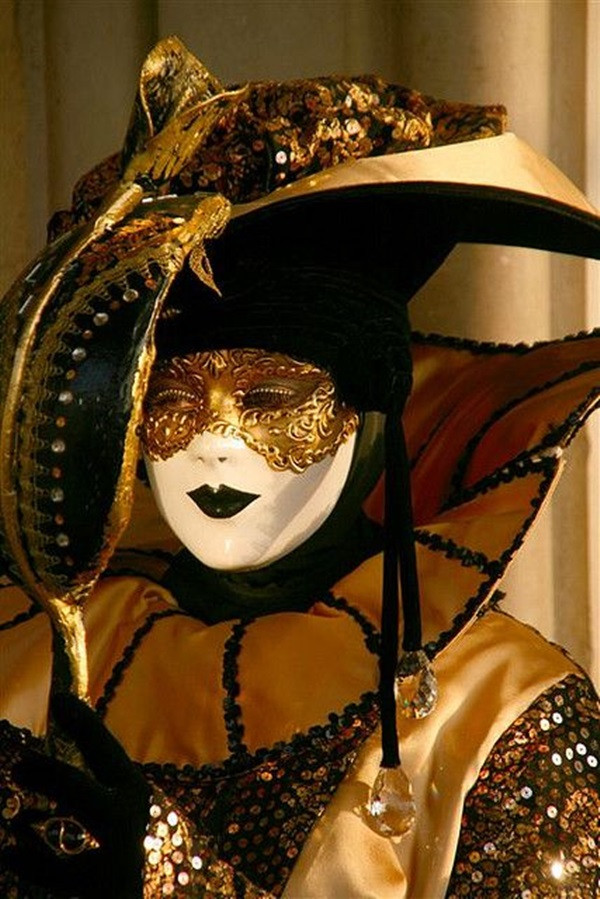 Beautiful Carnivale Masks and Meaning (5)