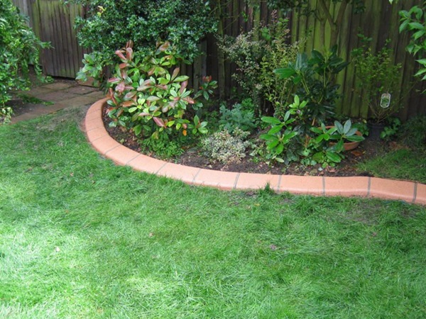 Cool Garden Edging Ideas (24)