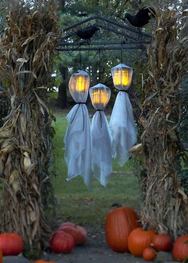 Scary Halloween Decoration Ideas to try this Year (16)