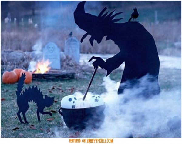 Scary Halloween Decoration Ideas to try this Year (17)