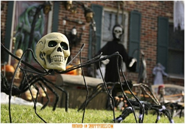 Scary Halloween Decoration Ideas to try this Year (20)