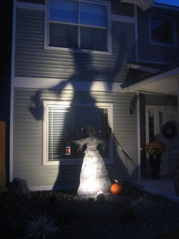 Scary Halloween Decoration Ideas to try this Year (24)