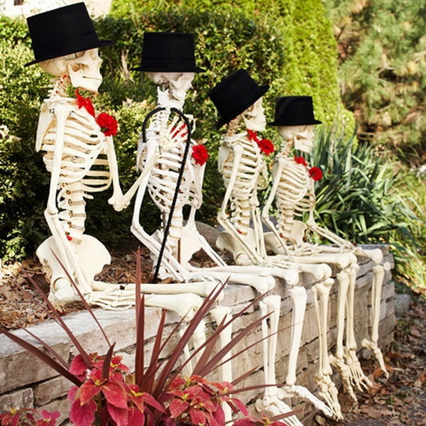 Scary Halloween Decoration Ideas to try this Year (41)