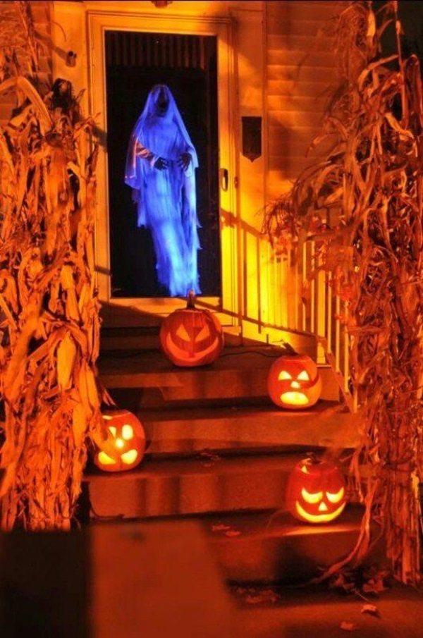 Scary Halloween Decoration Ideas to try this Year (8)