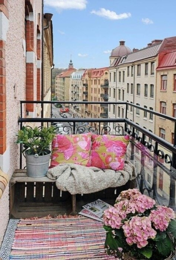 Clever Balcony Transformation Ideas (39)