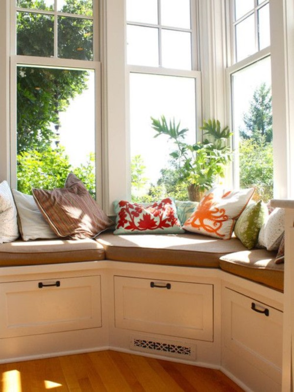 Scenic And Cozy Window Seat Ideas For You (12)