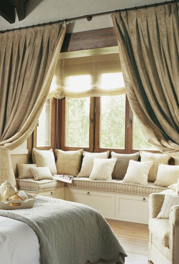 Scenic And Cozy Window Seat Ideas For You (18)
