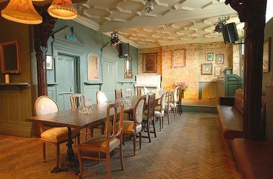 pub decoration 9