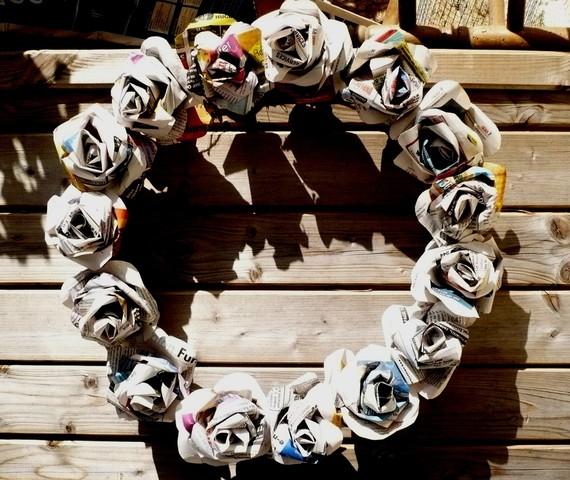 newspaper craft ideas wreaths