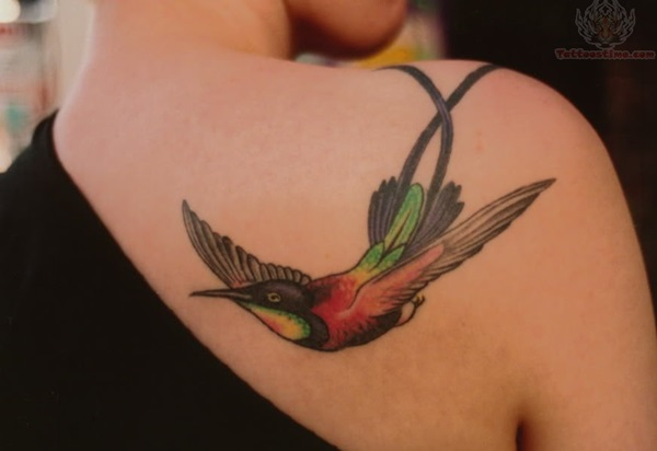 Impossibly Pretty Shoulder Tattoo Designs For Girls (17)