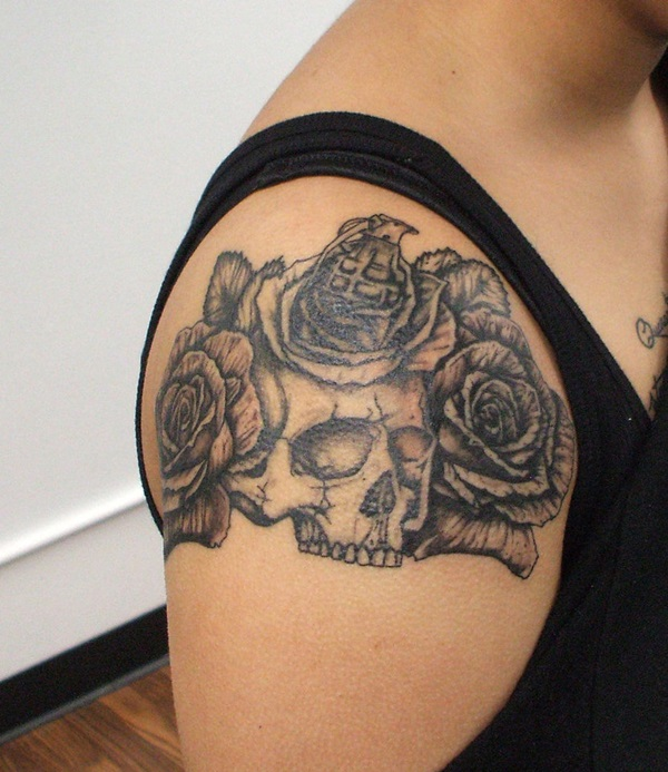 Impossibly Pretty Shoulder Tattoo Designs For Girls (23)