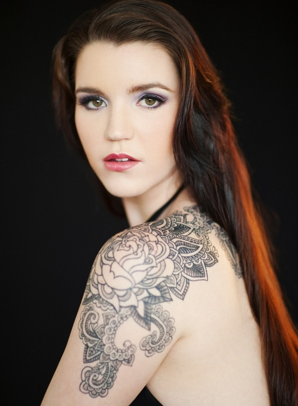 Impossibly Pretty Shoulder Tattoo Designs For Girls (33)