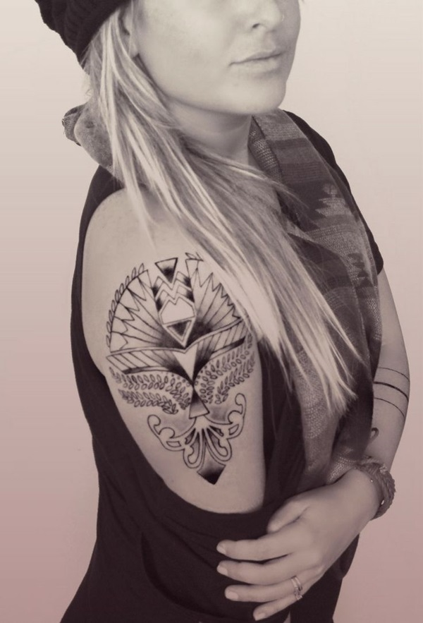 Impossibly Pretty Shoulder Tattoo Designs For Girls (36)