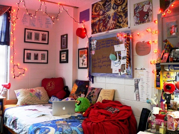 Classic College Dorm Room Decoration Ideas (10)