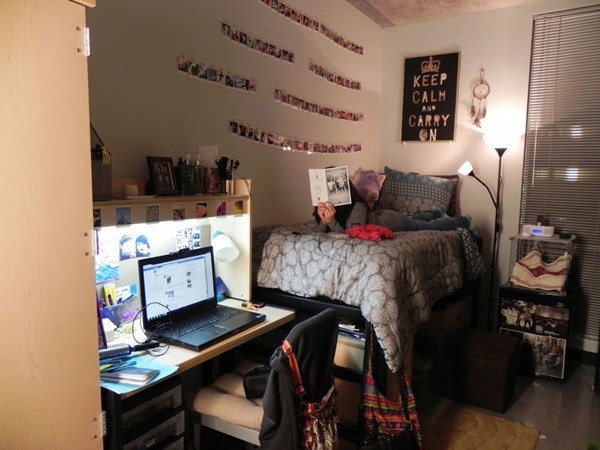 Classic College Dorm Room Decoration Ideas (18)