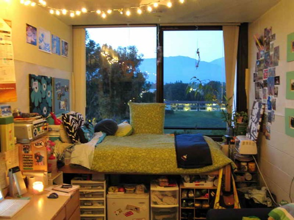 Classic College Dorm Room Decoration Ideas (26)